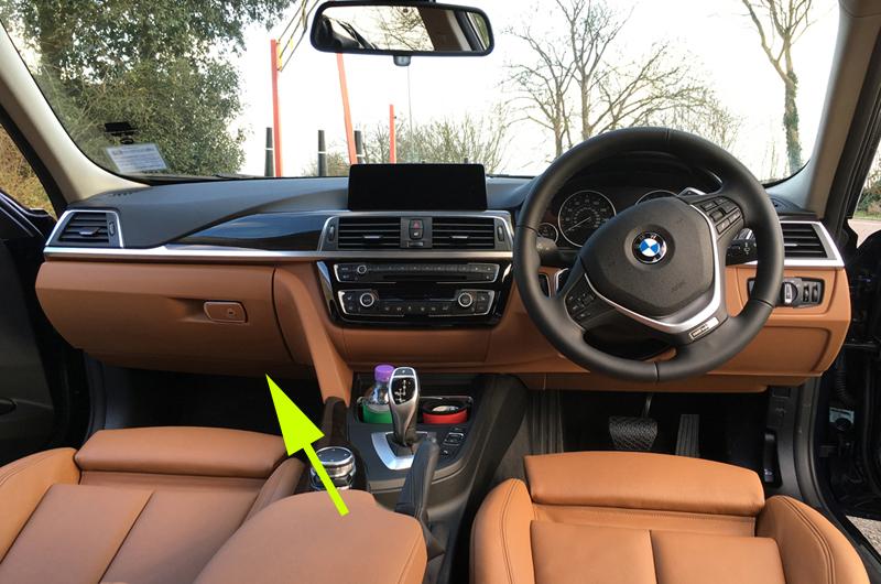 Front cigarette lighter port not working    - BMW 3-Series