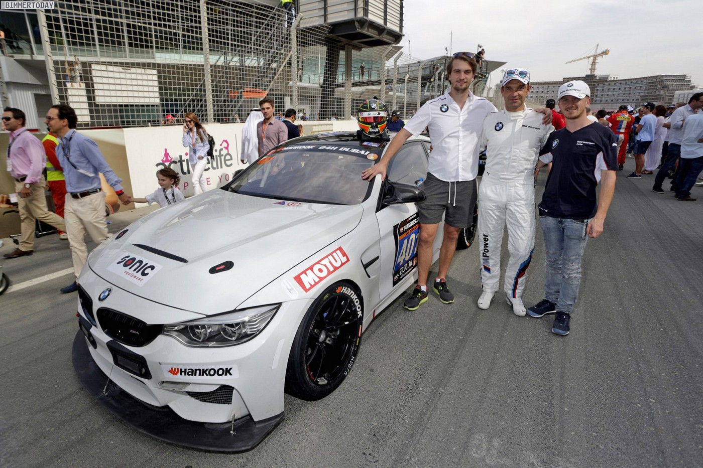 bmw m4 gt4 masters first endurance test - at 24 hours of dubai