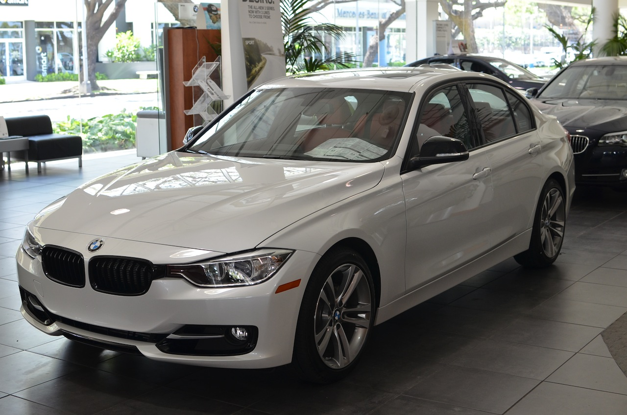Mineral White 328i Sport Delivered To Hawaii