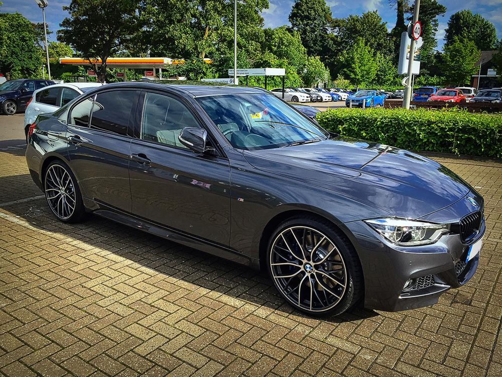 Name:  BMW 340i-3.jpg Views: 3568 Size:  1.13 MB