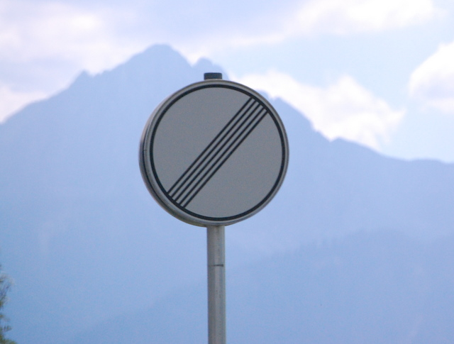 Name:  autobahn-end-of-restrictions-sign.jpg Views: 6447 Size:  83.5 KB
