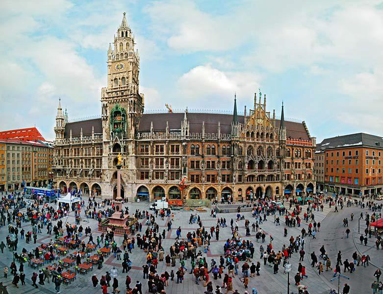 Name:  Marienplatz3279647691965_569965791_n.jpg Views: 2256 Size:  125.8 KB