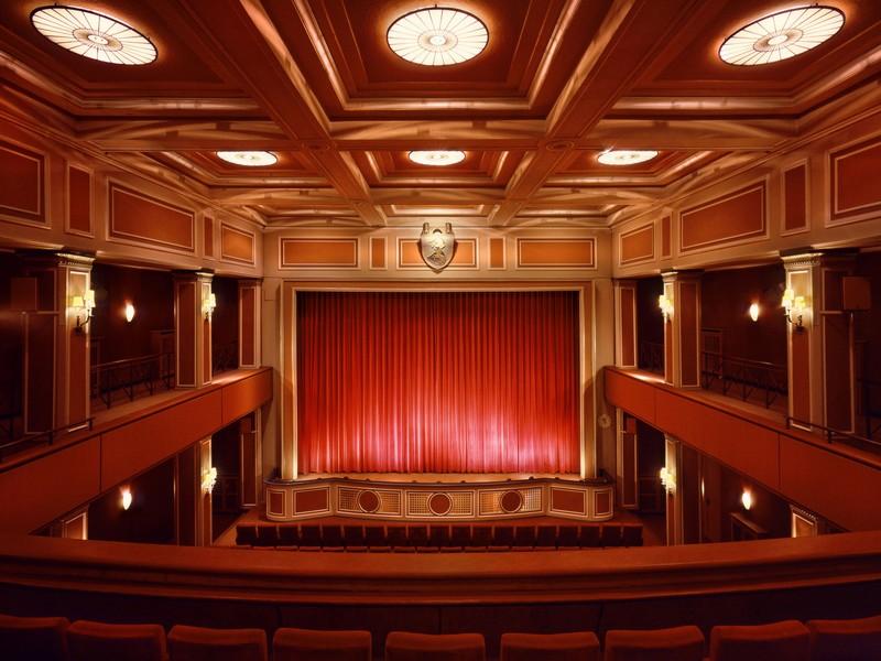 Name:  sendlinger-tor filmtheater-1.jpg Views: 2286 Size:  118.3 KB