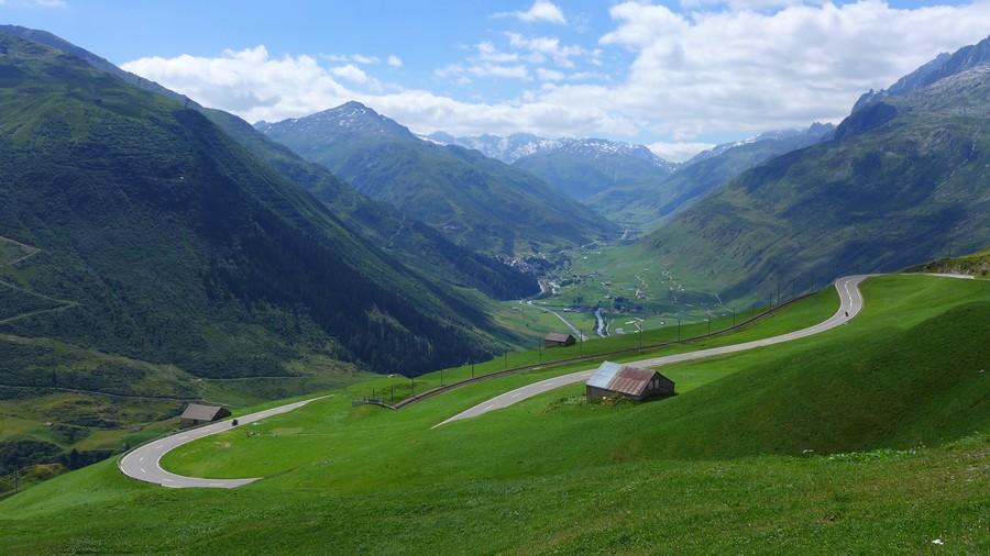 Name:  Furka Pass P1080371.jpg Views: 1496 Size:  153.3 KB
