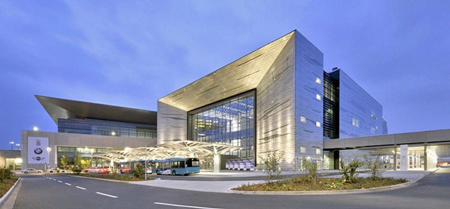 Name:  IAA fertiggestelltes-Portalhaus-im Hintergrund_Messehalle11.jpg Views: 4934 Size:  84.7 KB