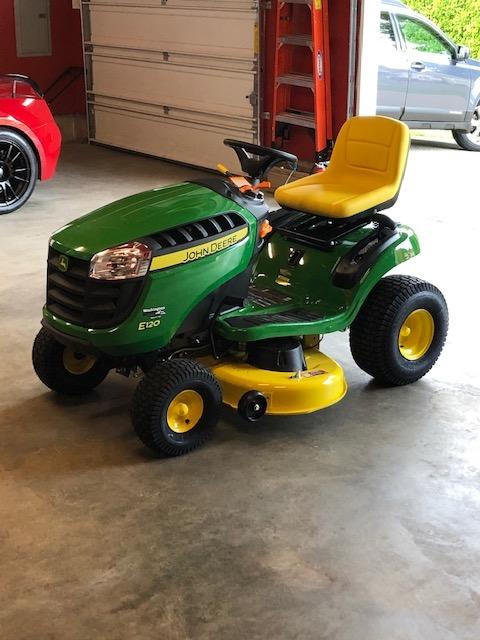Name:  John Deere E120 Lawn Tractor Pic 2.jpg Views: 124 Size:  93.9 KB