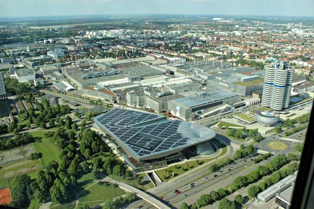 Name:  BMW Welt and Museum and WERK  IMG_8928.jpg Views: 2369 Size:  179.6 KB
