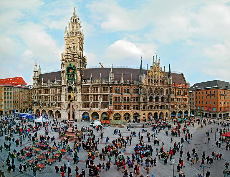 Name:  Marienplatz3279647691965_569965791_n.jpg Views: 2380 Size:  125.8 KB