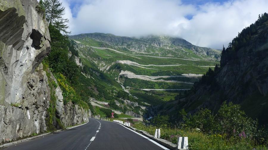 Name:  Furka Pass  P1080474.jpg Views: 1570 Size:  181.5 KB