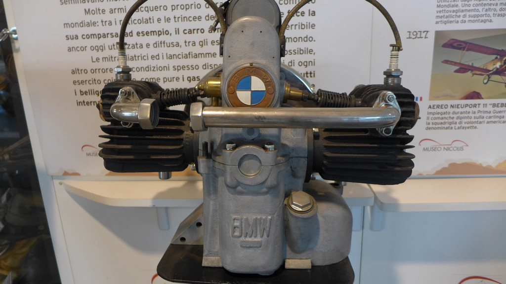 Name:  Boxer BMW motor early   P1220897.jpg Views: 241 Size:  146.3 KB