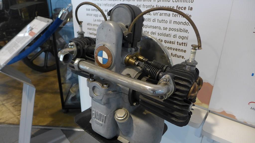 Name:  Boxer BMW motor early   P1220899.jpg Views: 245 Size:  149.7 KB