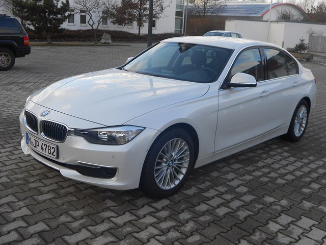 Name:  f30luxurywhite1.jpg