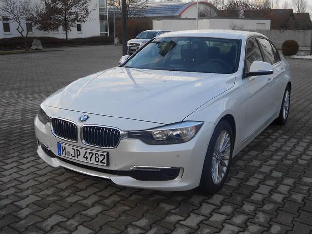 Name:  f30luxurywhite2.jpg