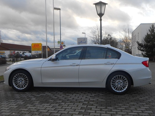 Name:  f30luxurywhite3.jpg