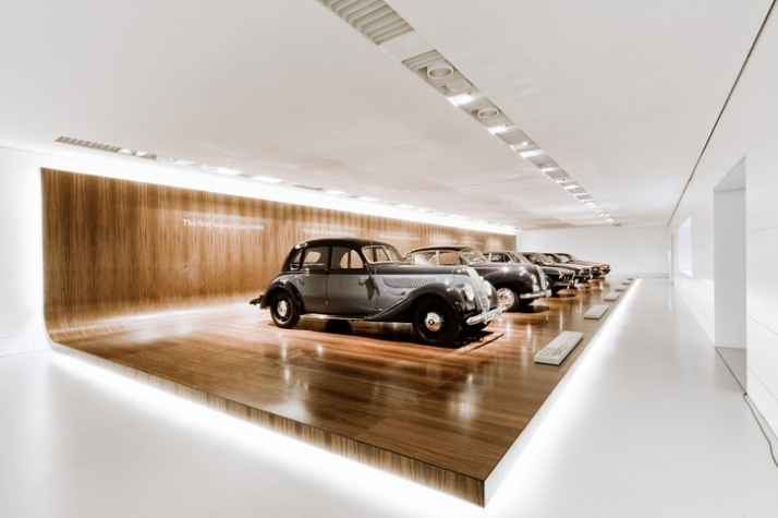 Name:  BMW_museum_in_Munich_by_atelier_bruckner_at_yatzer_13.jpg Views: 6914 Size:  166.4 KB