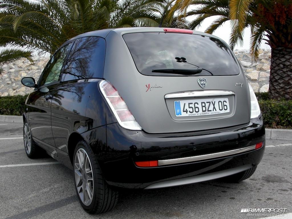 http://f30.bimmerpost.com/forums/e90garageimg/11254/Lancia%20Ypsilon%20Sport%20Momo%20Design%204.jpg
