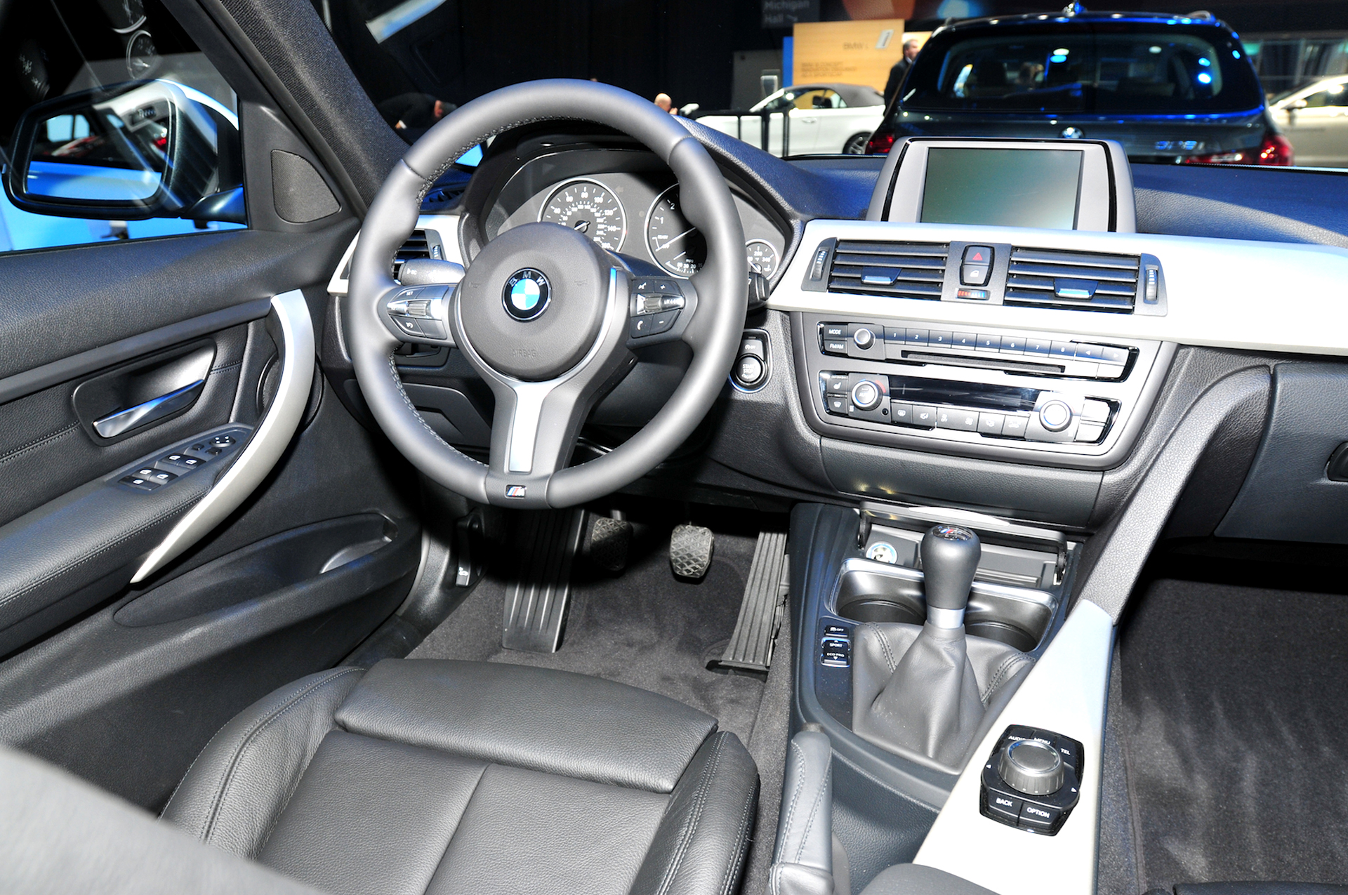 Bmw Announces 320i And 320i Xdrive For U S Market Priced