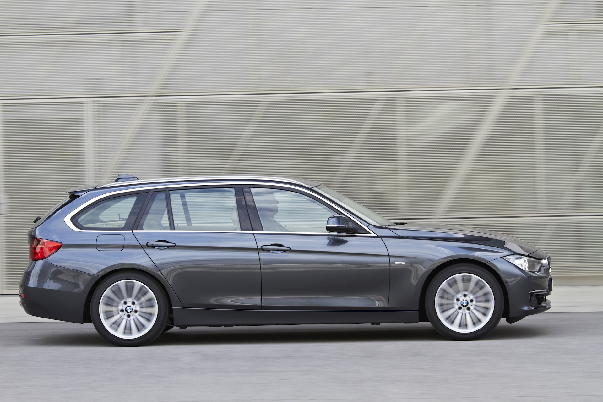 bmw 3 series touring f31 official wallpapers info specs videos. Black Bedroom Furniture Sets. Home Design Ideas