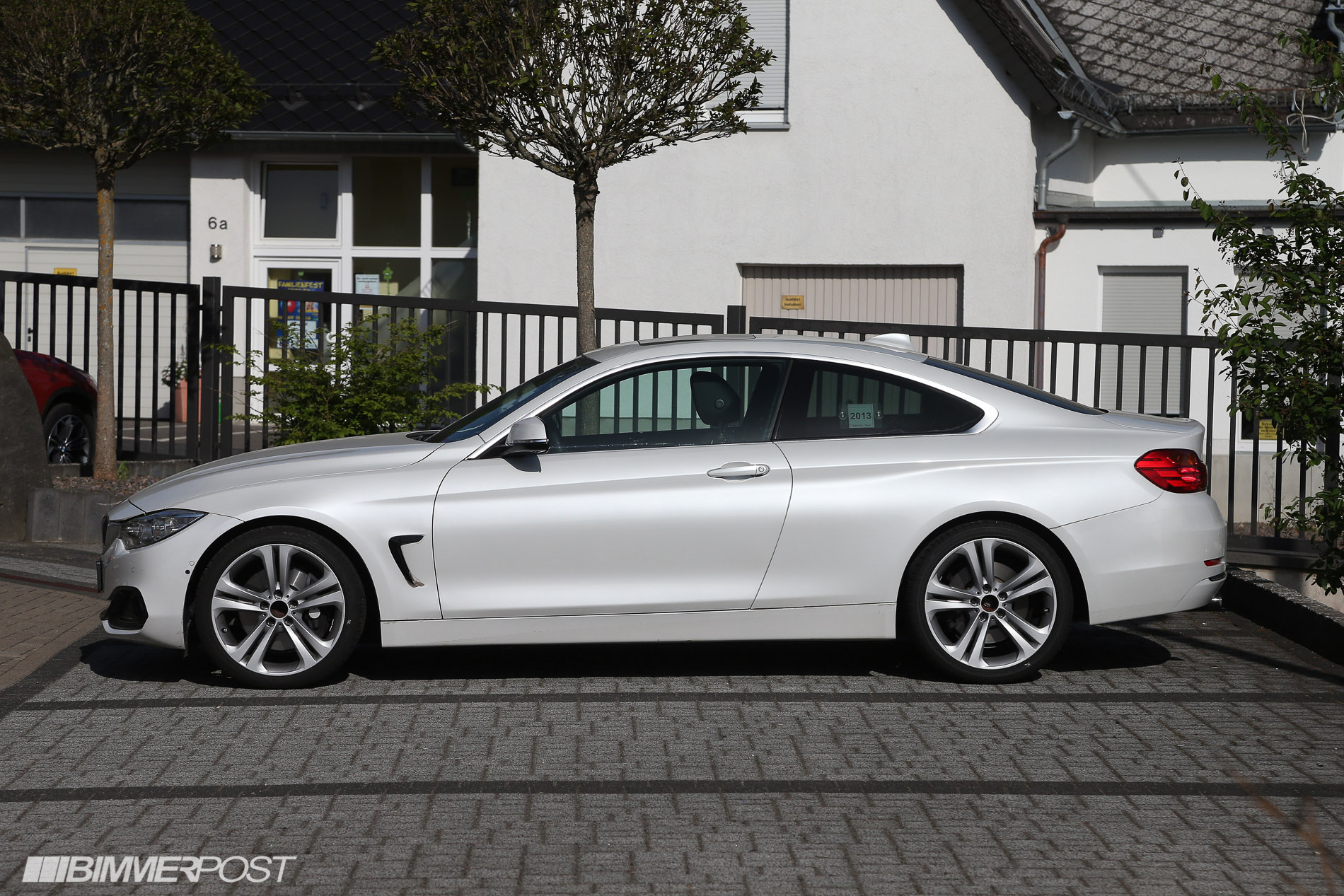 First Looks At 4 Series Coupe In Mineral White Black And