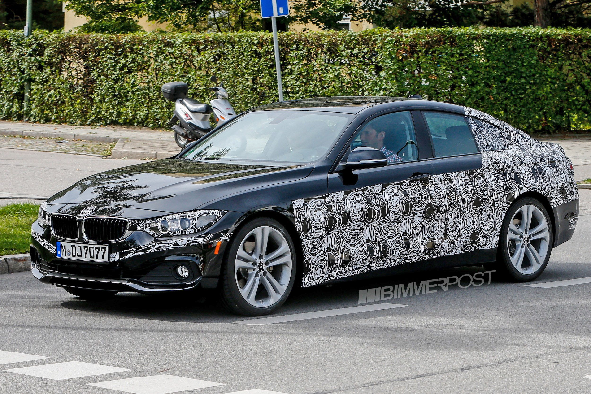 bmw 4 series gran coupe re emerges with less camo added m sport pics 10 5. Black Bedroom Furniture Sets. Home Design Ideas