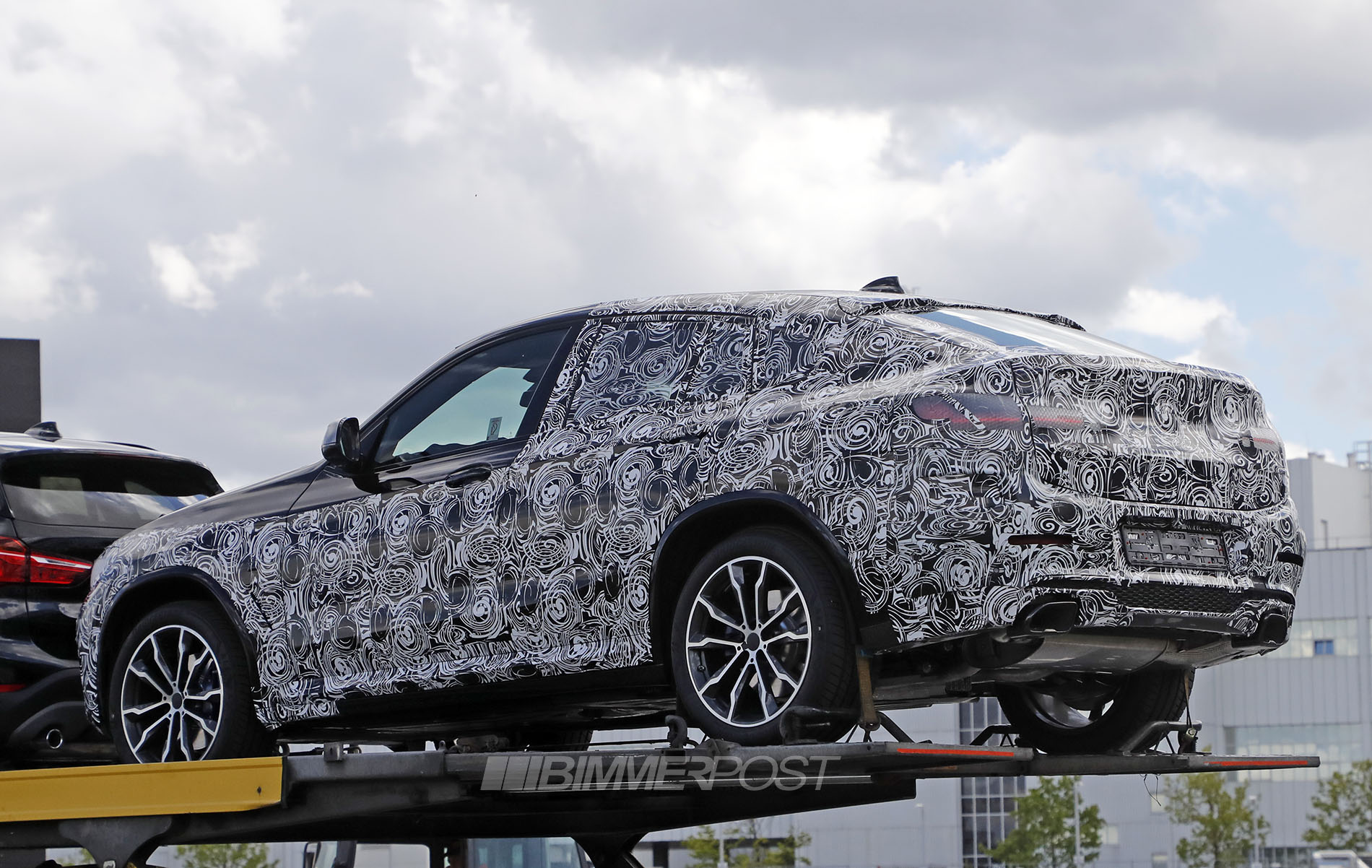 the sleeker next gen bmw x4 g02 has been spied. Black Bedroom Furniture Sets. Home Design Ideas